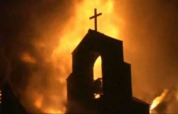 chiesa-in-fiamme
